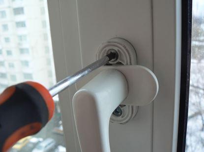 Изображение Замена ручек для окон и дверей ПВХ